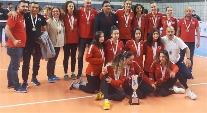 Büyükşehir Gsk Kadın Voleybol Takımı 1. Lige Çıktı