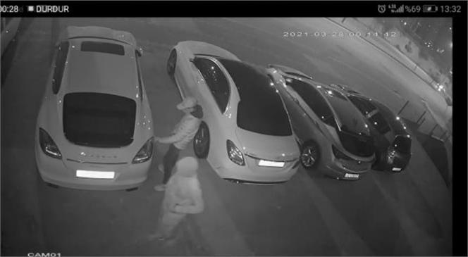 50 Bin Liralık Farları Çalan Hırsızları Güvenlik Kamerası Ele Verdi