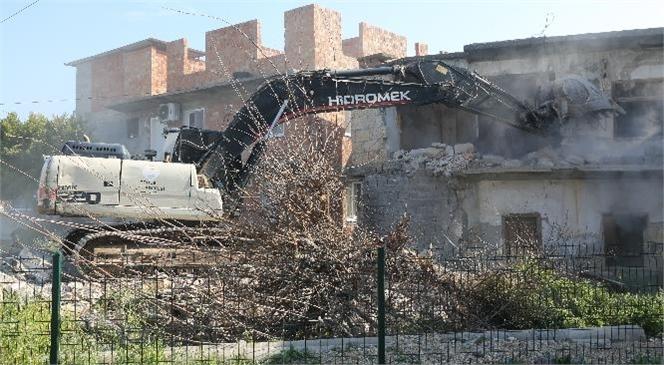 Halkın Güvenliği İçin Metruk Binalar Yıkılıyor