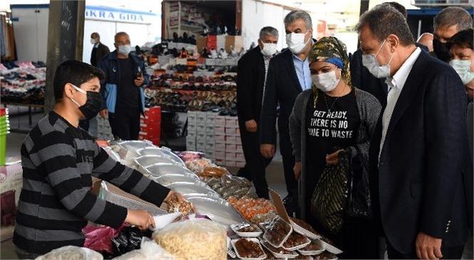 Başkan Seçer Tarsus'ta Pazar Esnafını Ziyaret Etti