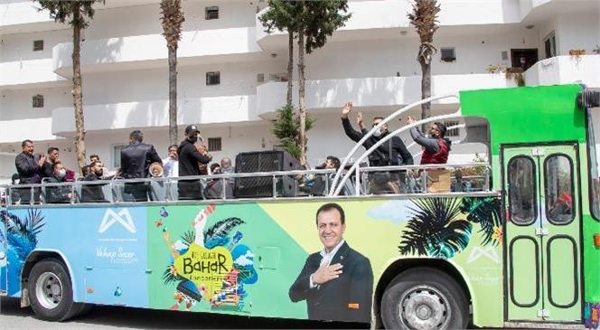 Mersin Büyükşehir Belediyesi'nin '8 Nisan Dünya Romanlar Günü' İçin Düzenlediği Kutlama Programları İle Kente Renk Geldi, Şehrin Dört Bir Yanından Müzik Sesleri Yükseldi