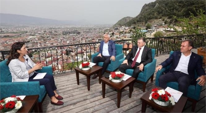 Akdeniz'in 3 Büyükşehir Belediye Başkanı Ortak Yayında Buluştu! Akdenizli Başkanlar Hizmetlerde Omuz Omuza Veriyor