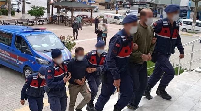 Mersin'de İki Şüpheli Şahıs Tahrayla Kabloları Keserken Suçüstü Yakalandı