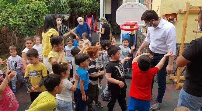 23 Nisan Ulusal Egemenlik ve Çocuk Bayramı Dolayısıyla Minik Pabuçlar Kreş ve Anaokulu'nu Ziyaret Eden Ali Boltaç, Çocukların Bayram Sevincine Ortak Oldu