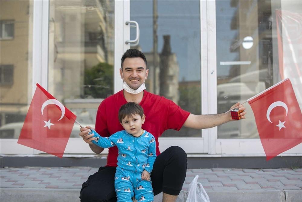 Mersin Büyükşehir Belediyesi, 23 Nisan Ulusal Egemenlik ve Çocuk Bayramı Coşkusunu Kentin Cadde ve Sokaklarına Taşıdı