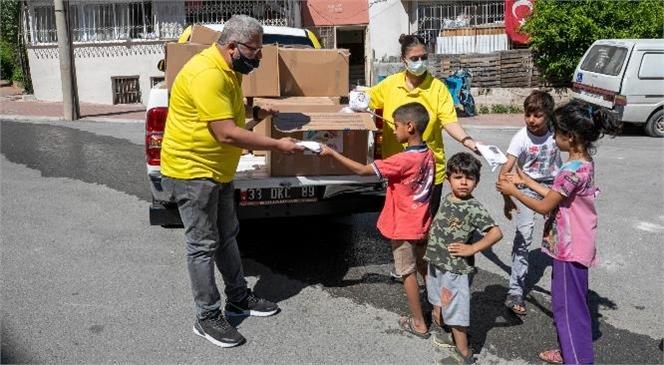 Bu Bayram Çocuklar Değil, Büyükşehir Kapı Kapı Dolaştı