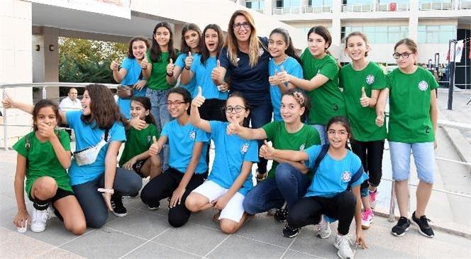 Mersin Büyükşehir Belediyesi, Gerçekleştirdiği Hizmet ve Projelerle Gençlerin Yanında Olmaya, Hem Eğitim Hem de Sosyal Hayatlarına Destek Vermeye Devam Ediyor