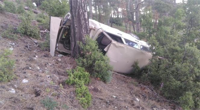 Mersin Fındıkpınarı Yolunda Seyir Halindeki Araç, Sürücüsünün Direksiyon Hakimiyetini Kaybetmesi Sonucu 50 Metre Aşağı Yuvarlandı