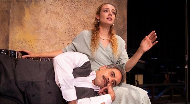 Büyükşehir Şehir Tiyatrosu 'Aslolan Hayattır' Oyunu İle Nazım Hikmet'i Andı
