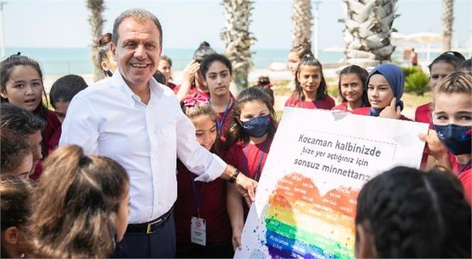 Kır Çiçekleri Başkan Seçer'e 'kalplerini' Verdi