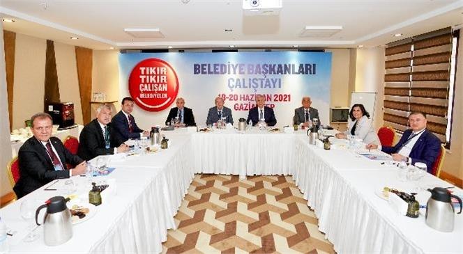 CHP'li Belediye Başkanları Gaziantep'te Bir Araya Geldi
