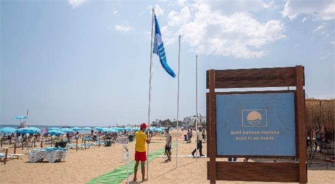 Kızkalesi Halk Plajı'nda Mavi Bayrak Göndere Çekildi