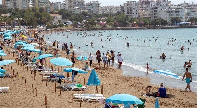 Yasaklar Kalktı, Mersinliler Soluğu Büyükşehir'in Plajlarında Aldı