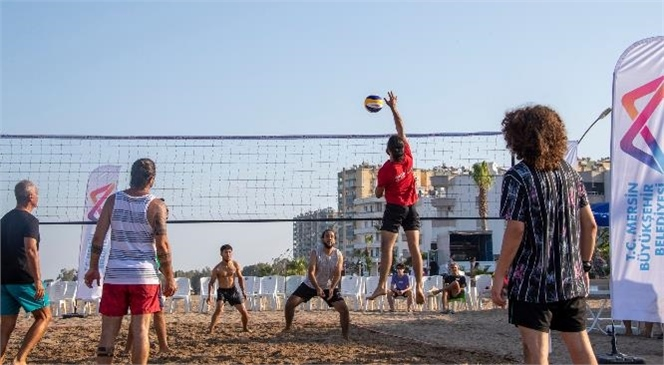Mersin Plajları Voleybol Turnuvalarıyla Hareketleniyor