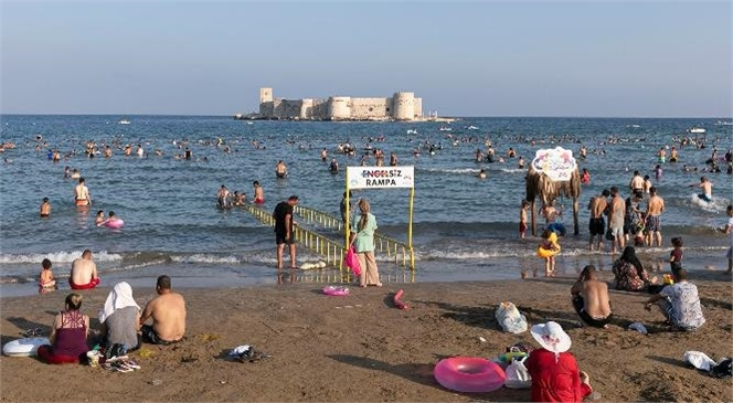 Büyükşehir'in Plajları Bayramda Binlerce Tatilciyi Ağırladı