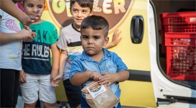 Mersin Büyükşehir'den Bu Kez de Çocuklara Kokulu Çörek