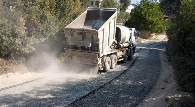 Mersin Büyükşehir Belediyesi'nin Çamlıyayla'da Asfaltlama Faaliyetleri Sürüyor