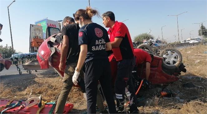 Yaralı Sürücü İtfaiye Ekiplerince Araçtan Çıkarıldı