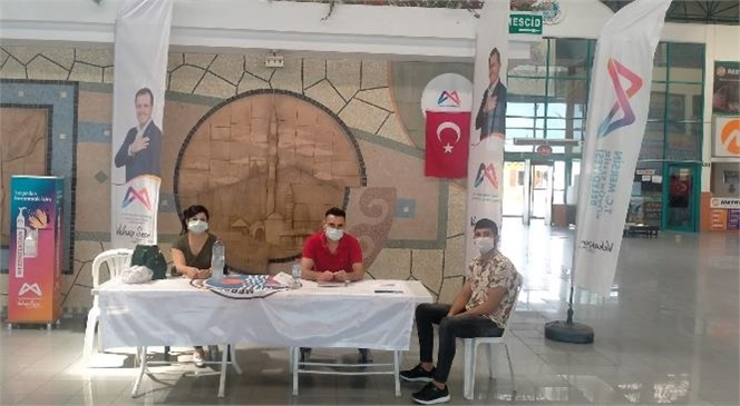 Mersin Büyükşehir Belediyesi, Tarsus'ta da Üniversitelileri Kapıda Karşılıyor
