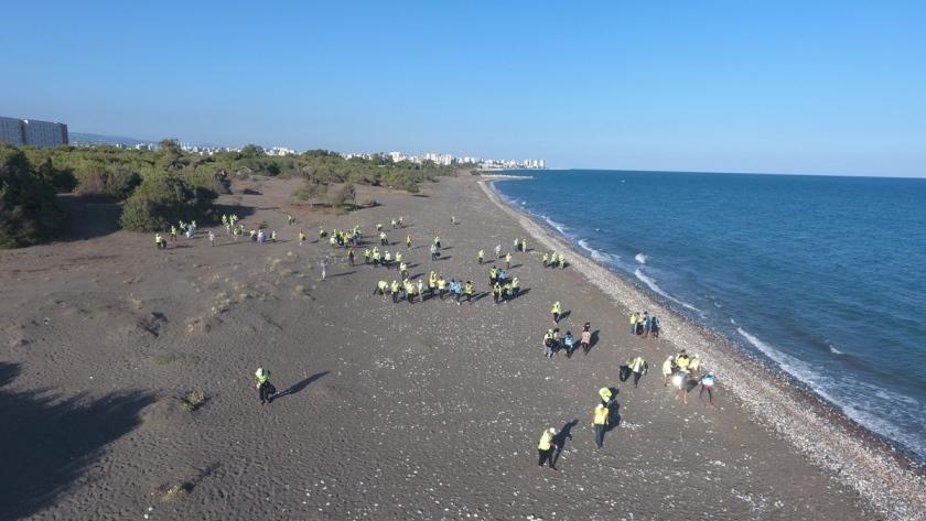 Temiz Bir Dünya İçin Çöp Topladılar! MHP Mersin İl Başkanlığı'nın 13 İlçede Düzenlediği Etkinlik Erdemli'de Yoğun Bir Katılımla Gerçekleşti