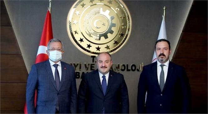 Mersin Tarsus Organize Sanayi Bölgesi Başkanı Sabri Tekli, Sanayi ve Teknoloji Bakanı Mustafa Varank'ı Makamında Ziyaret Etti