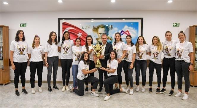 Şampiyon Takımdan Başkan Seçer'e Ziyaret