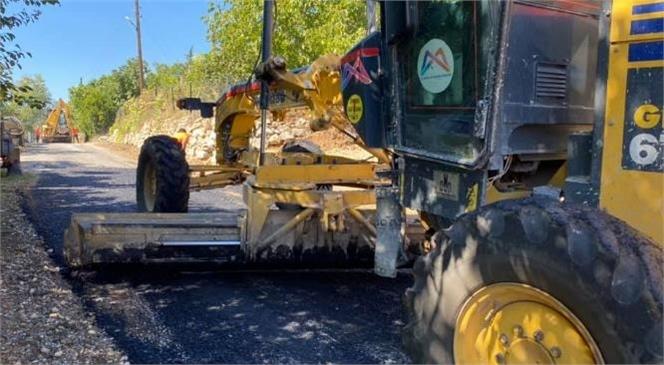 Mersin Büyükşehir Belediyesi Ekipleri, Çamlıyayla İlçesi Genelinde Yol Bakım ve Onarım Çalışmalarına Devam Ediyor