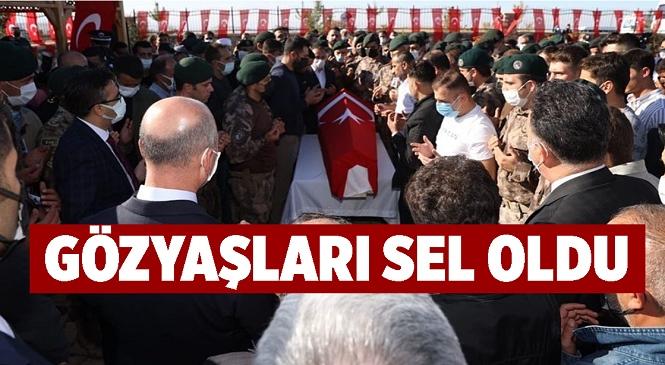 Şehit Özel Harekat Polisi Cihat Şahin Elazığ'da Son Yolculuğuna Uğurlandı