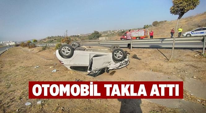 Mersin'in Tarsus İlçesinde Takla Atarak Şarampole Devrilen Otomobilin Sürücüsü Yaralandı