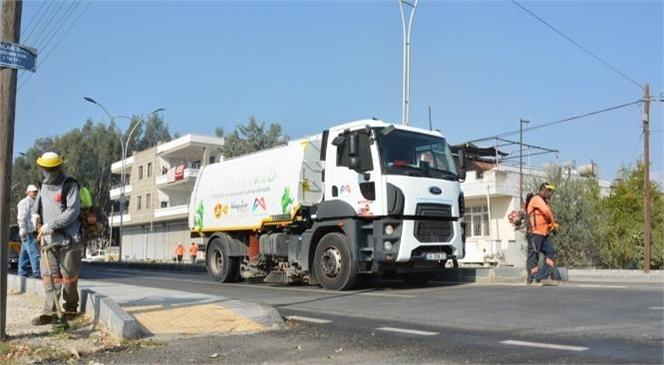 Mersin Büyükşehir Belediyesi İle Tarsus Belediyesi Temizlik Ekiplerinin Ortaklaşa Yürüttükleri Mahallelerdeki Detaylı Temizlik Çalışmaları Devam Ediyor