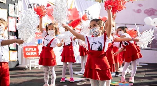 Minikler Şiirler ve Dans Gösterileriyle 29 Ekim'i Kutladı