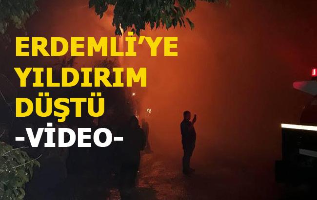 Erdemli'de Düşen Yıldırım Sonrası, Olay Yerinde Çekilen Video