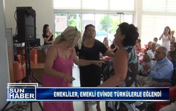Emekliler, Emekli Evinde Türkülerle Eğlendi