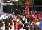 Mersin'deki Memur Eylemine Polis Mudahalesi 10 Yaralı