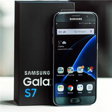Samsung Galaxy S7 Kamerası Kendi Kendine Çatlıyor
