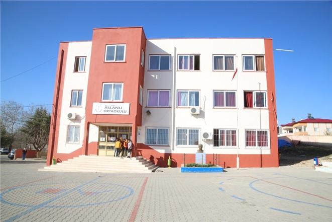Erdemli Belediye Eğitim Kurumlarına Destek Olmaya Devam Ediyor