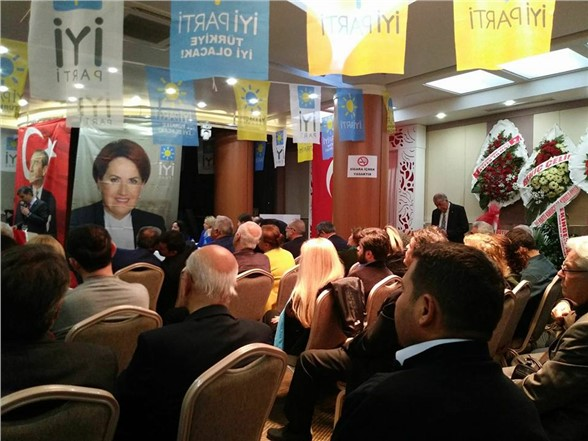 İyi Parti Mersin Teşkilatı'nı Kurdu ve İlçe Kongrelerini Tamamladı