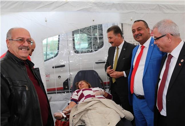 Mersin'de Mehmetçiğe Kan Bağışıyla Destek