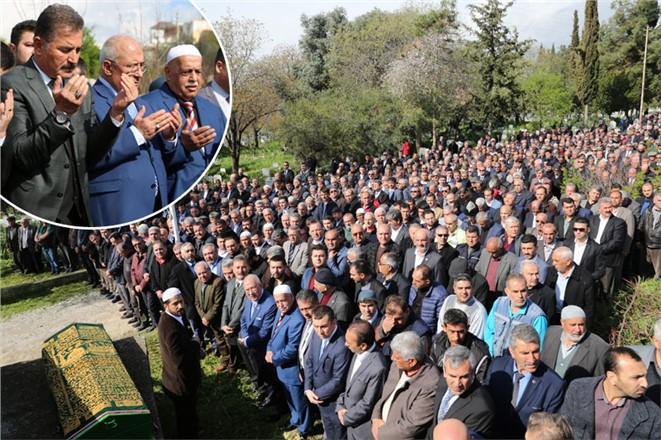 Başkan Tuna'nın Kayınvalidesi Nazmiye Özer, Toprağa Verildi