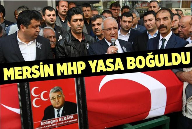 Mersin'de MHP'lileri Yasa Boğan Cenaze