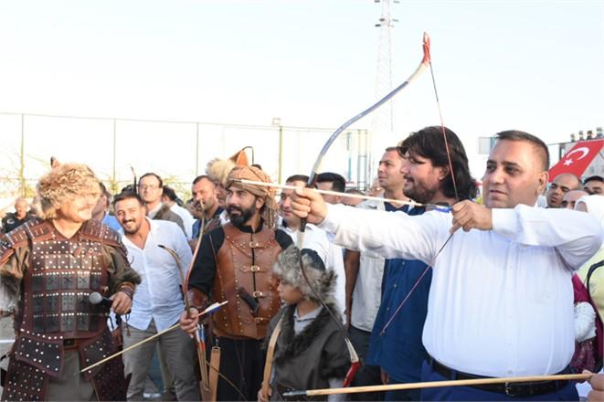 Tarsus'ta 1 Açılış Daha, Kutalmışoğlu Geleneksel ve Atlı Okçuluk Spor Kulübü Tesisi Açıldı