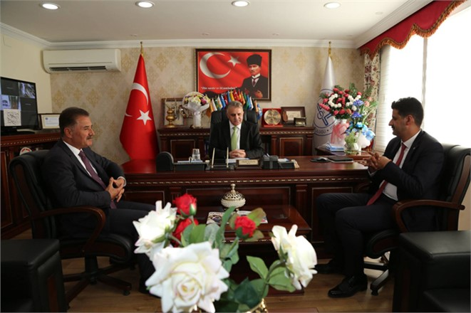 Başkan Tuna, İlçe Müftülükleri'ni Ziyaret Etti