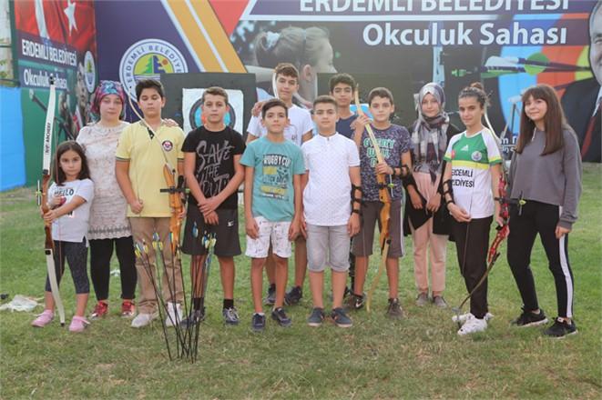 Mersin Erdemli'de Bir İlk! Okçuluk Kursu Başladı Erdemli Belediyesinden Okçuluk Kursu