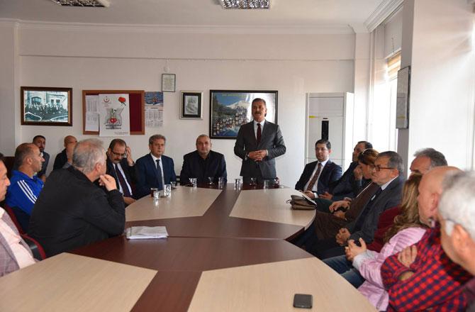 Başkan Hamit Tuna, Öğretmenleri Unutmadı