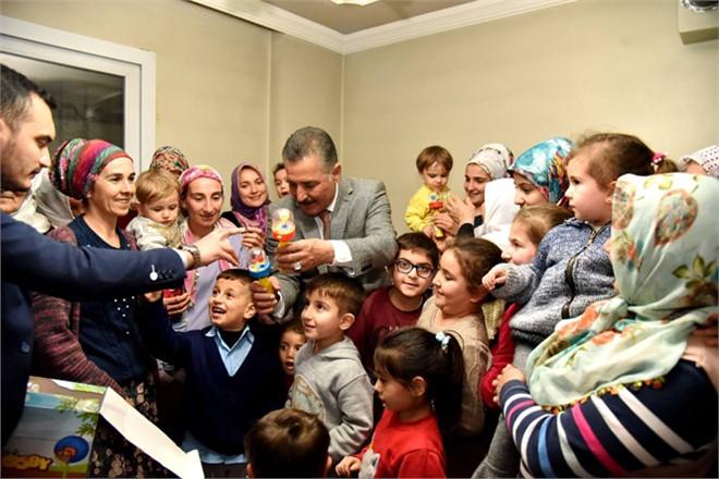 Başkan Tuna, Çilek Mahallesi Sakinlerinin Evlerine Konuk Oldu