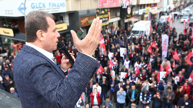 """CHP Mersin Büyükşehir Adayı Vahap Seçer, """"Bunların Hesabını Sandıkta Sorun"""""""