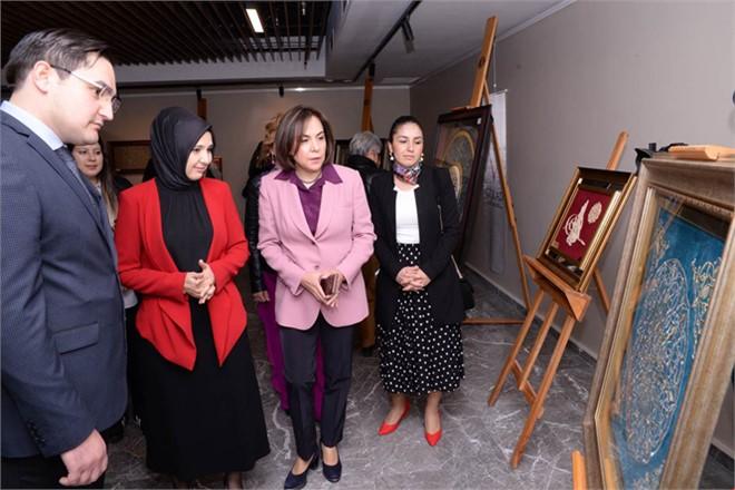 """Zeliha Su, """"8 Mart Dünya Emekçi Kadınlar Anma Günü"""" Kapsamında Düzenlenen Programa Katıldı"""