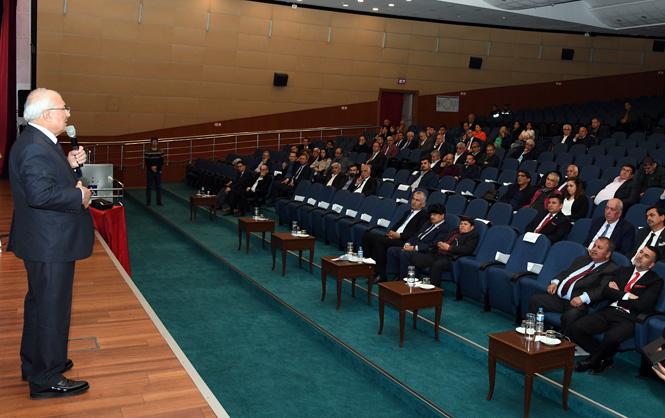 Mersin Büyükşehir Belediye Başkanı Burhanettin Kocamaz, Son Meclis Toplantısında Meclis Üyeleri İle Vedalaştı
