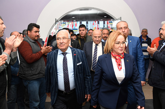 """Mersin Büyükşehir Belediye Başkanı Kocamaz,""""Biz, Millete Hizmet Yolunda Sonuna Kadar Varız"""""""