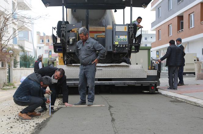 Erdemli Belediyesi, Alata Mahallesini Beton Kaplama Yol Modeli İle Tanıştırdı
